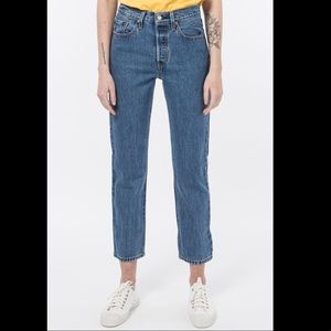NWT Levi's 501 Original Cropped in Lost Cause Wash